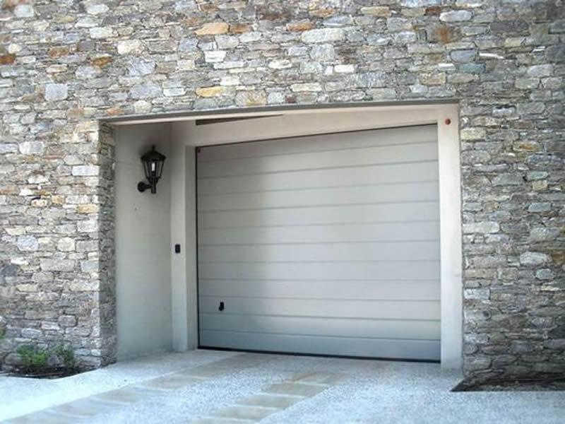 serrande-avvolgibili-per-la-chiusura-del-garage_NG2